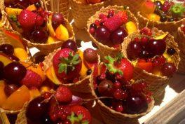 Coni di frutta con gocce di Aceto Balsamico di Mele